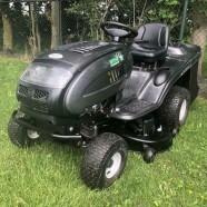 VERKOCHT!!! Mooie en goede MTD Platinum RD zitmaaier met 25pk Kawasaki V-twin motor. Hydrostaat en opvangbak
