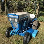 Pas binnen gekomen: Geheel gerestaureerde en Unieke Sears Suburban 12 oldtimer tractor/ zitmaaier / tuintrekker 1966